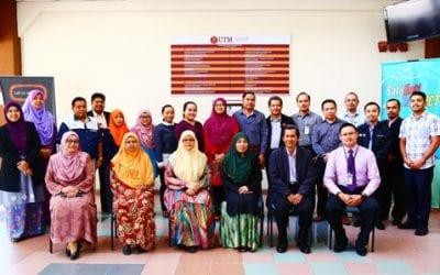 Lawatan Kerja Universiti Malaysia Sabah (UMS) ke CICT UTM